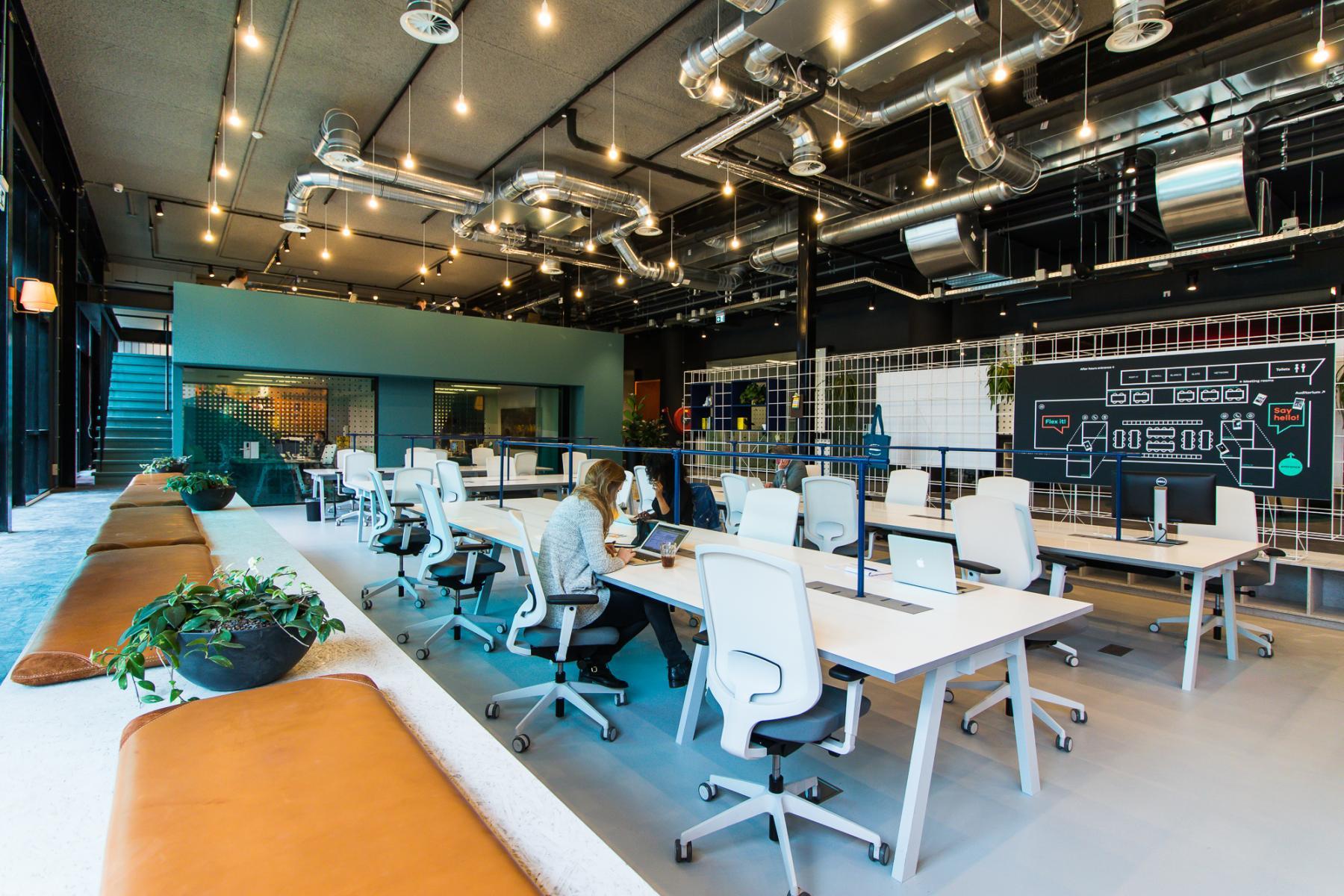 Cowork SKEPP C4 activity based kantoorinrichting