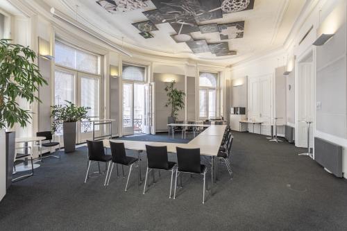 Repräsentativer Besprechungsraum im Business Center in Wien 1. Bezirk