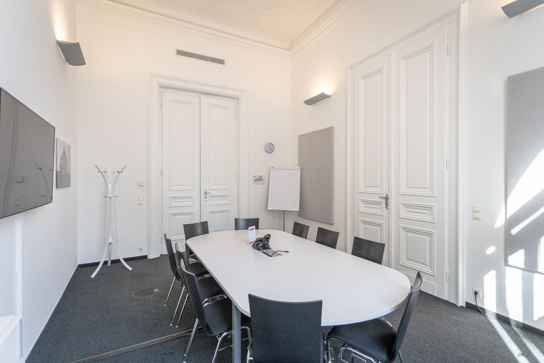 Stucco and the charme of old times - rent your new office in Vienna Innere Stadt