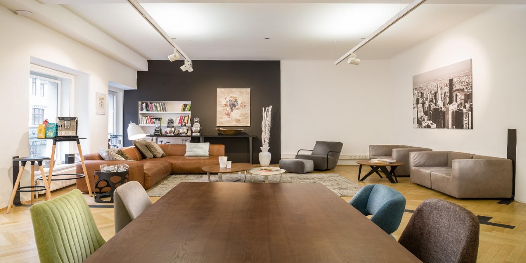 Designeinrichtung im sozialen Herzens der Bürofläche zur Miete in Wien