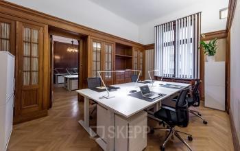 Erstklassige Büroflächen mieten im schönen Barock Stil in Wien am Schwarzenbergplatz