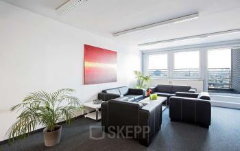 Gemütlicher Loungebereich im Bürogebäude in Wien Wieden