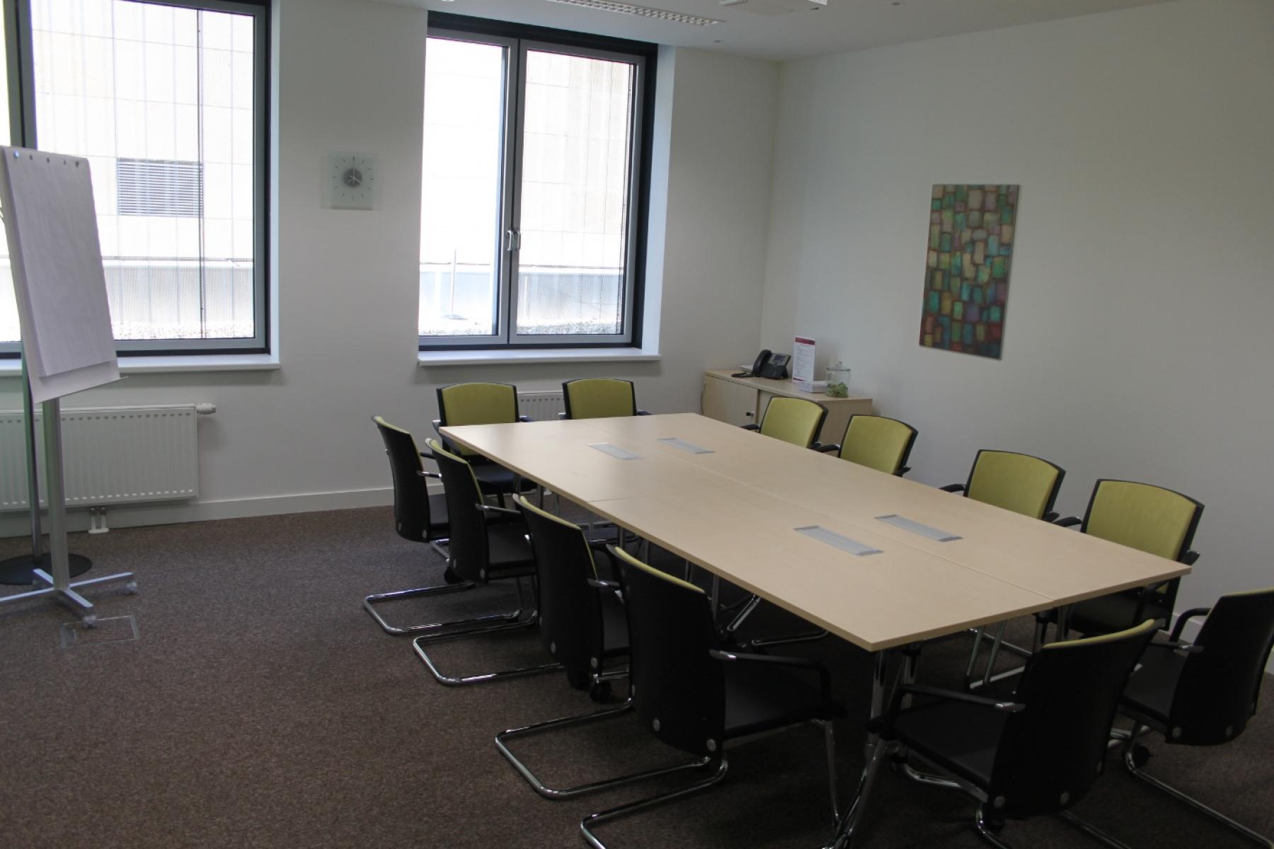 Heller Konferenzraum im Büro in Wien zu vermieten