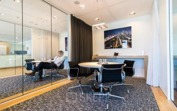 Multiple conference rooms for tenants available
