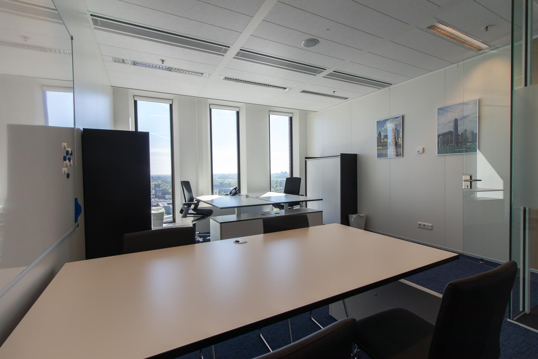 Light office spaces for rent in Amsterdam