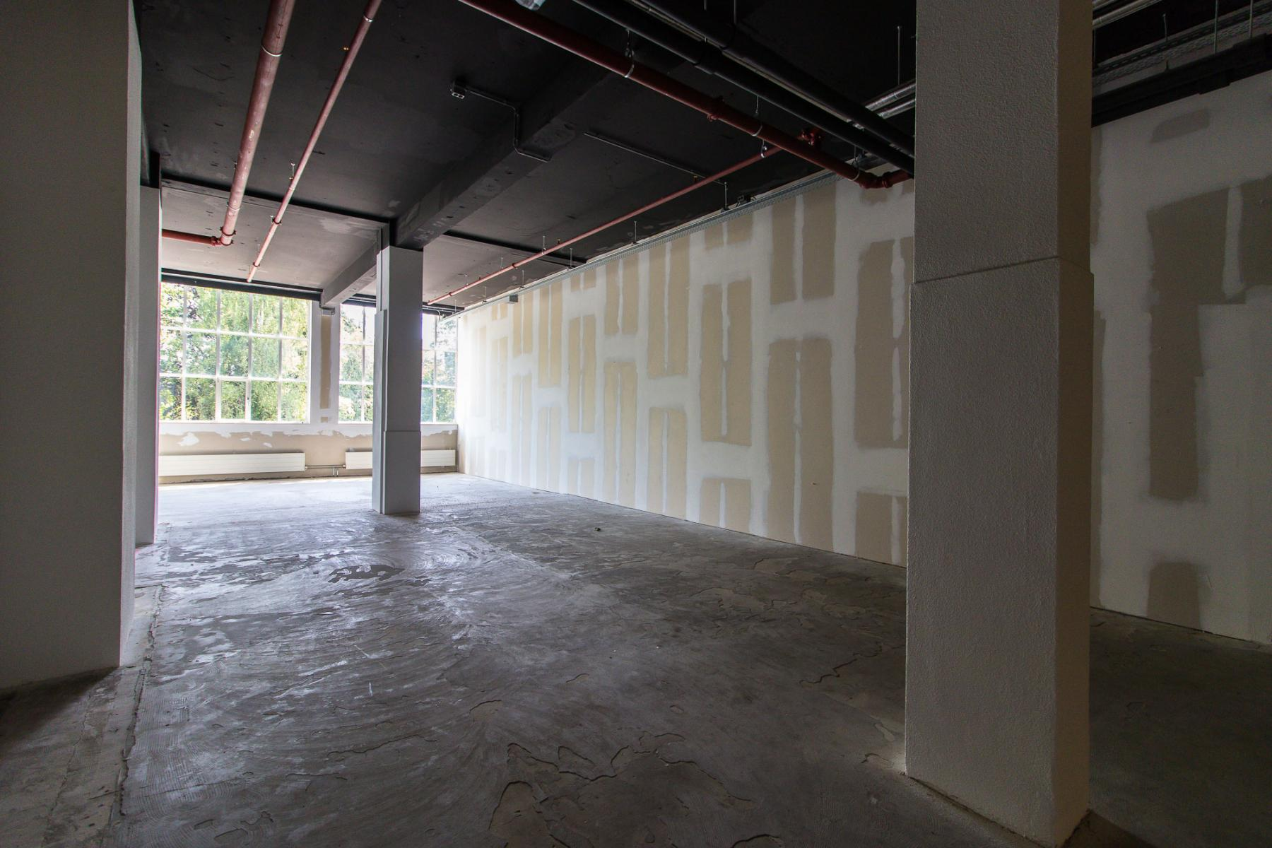 Different sizes office spaces for rent in Almelo