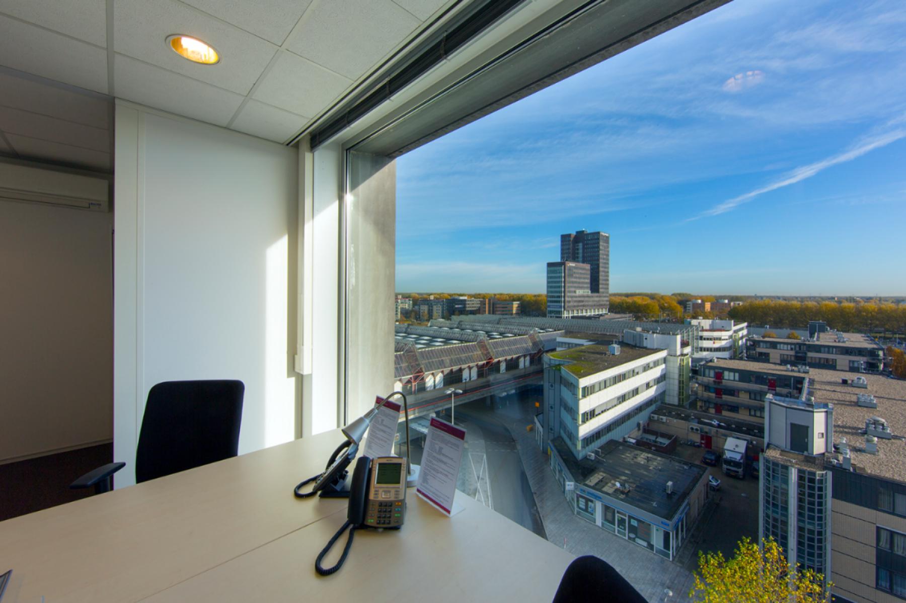 mooi uitzicht vanuit kantoorruimte almere
