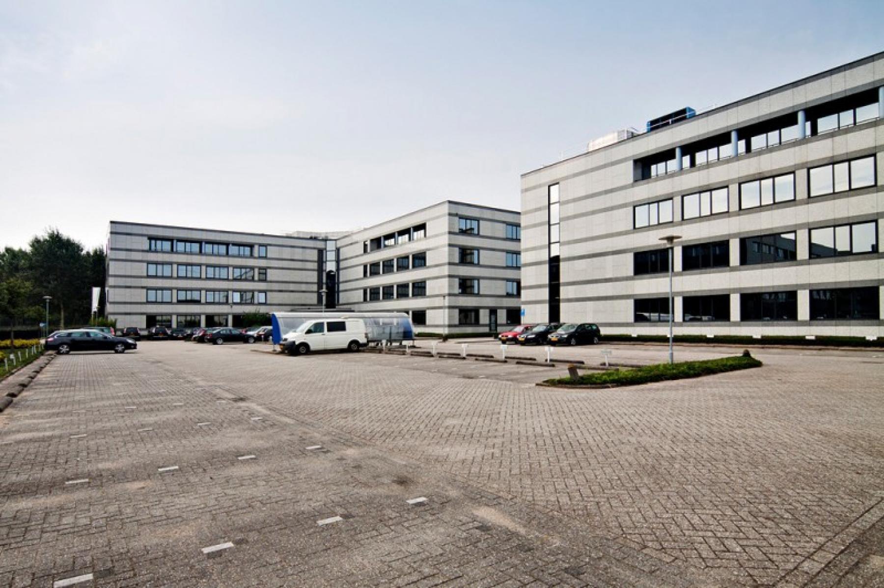 voldoende parkeerruimte aanwezig bij het huren van kantoorruimte in almere