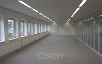 kantoorruimte kantoorkamer ramen werkplek SKEPP