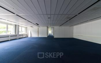 Office space with flexible layout