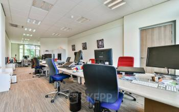 working places for rent in Amsterdam furnished