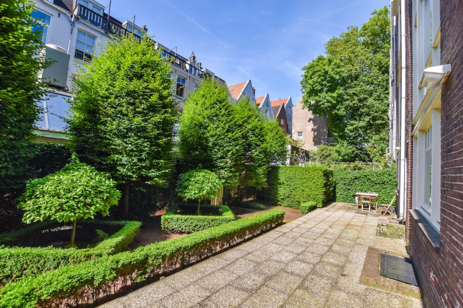 green environment office building amsterdam