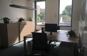 office space for rent in Amsterdam two working places