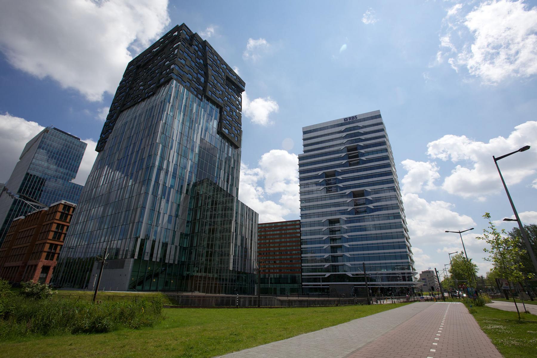 omgeving kantoorgebouw Amsterdam Parnassusweg met vergaderruimte