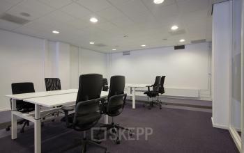 interieur kantoorkamer Amsterdam Singel meubilair vergaderruimte