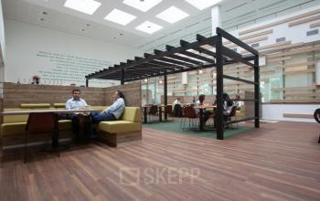 loungeruimte binnen kantoor in amsterdam zuidoost SKEPP