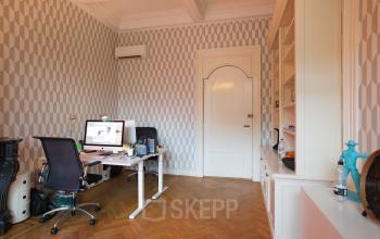 kantoorruimte meubilair amsterdam herengracht tafel stoelen parket
