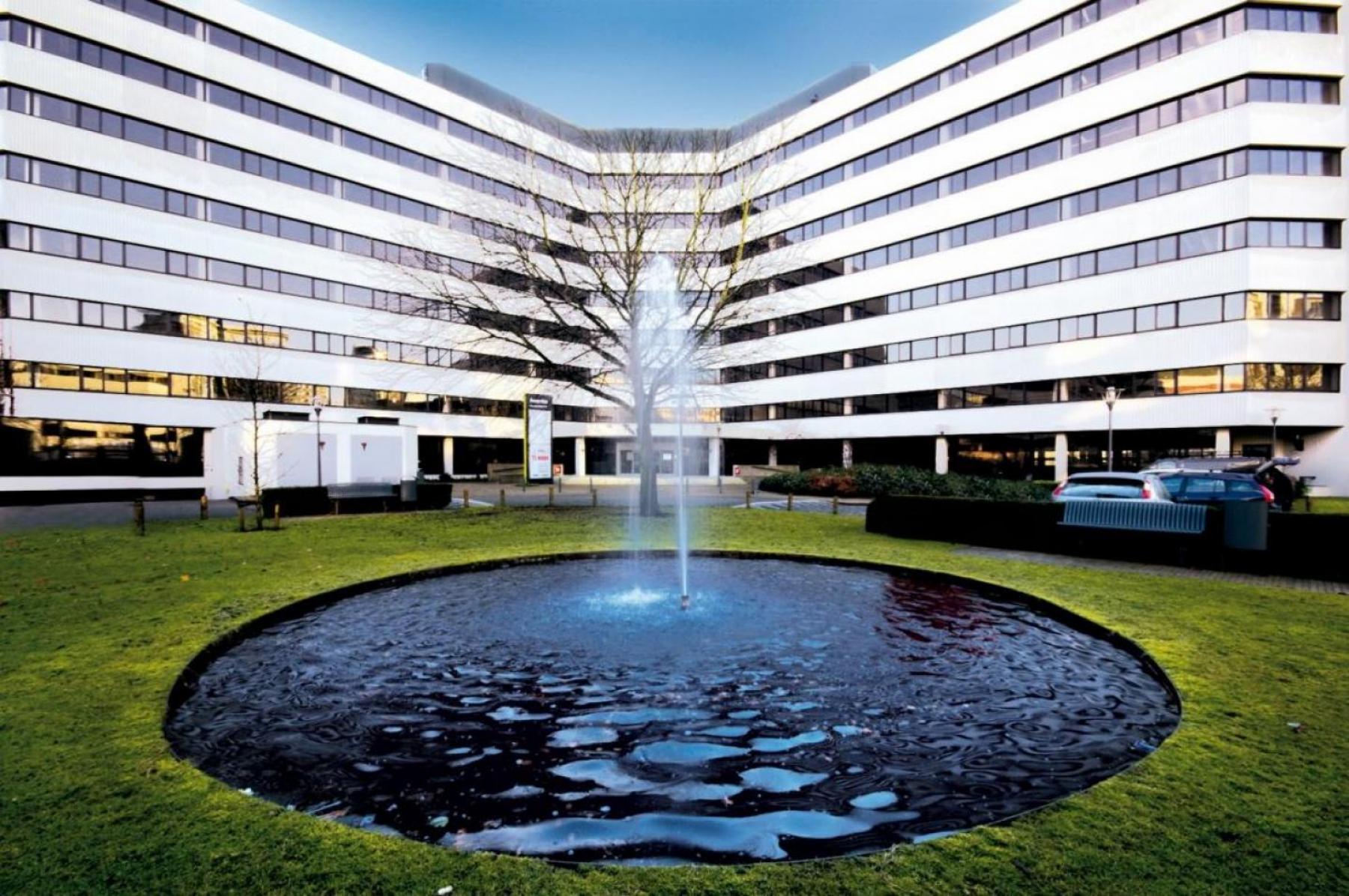 fontijn kantoorgebouw parkeerruimte amsterdam