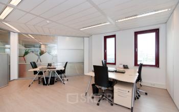 kantoorkamer kantoorunit amsterdam sloterdijk kingsfordweg ingericht gemeubileerd