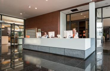 central reception desk teleportboulevard