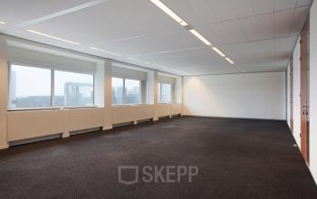 kantoorruimte op maat huren amsterdam kabelweg sloterdijk vloerbedekking raam uitzicht
