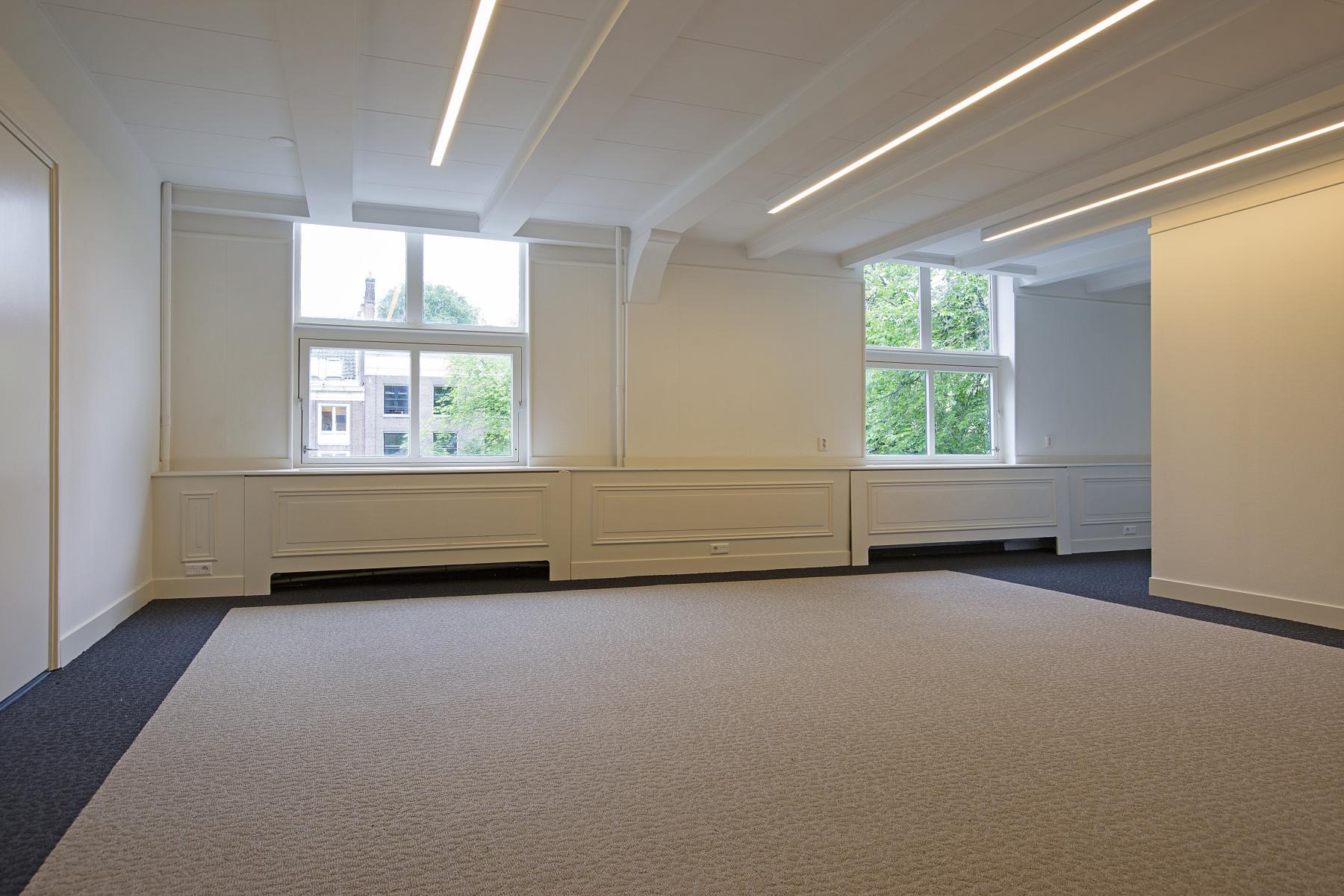 amsterdam herengracht kantoorunit huren kantoorruimte wit raam