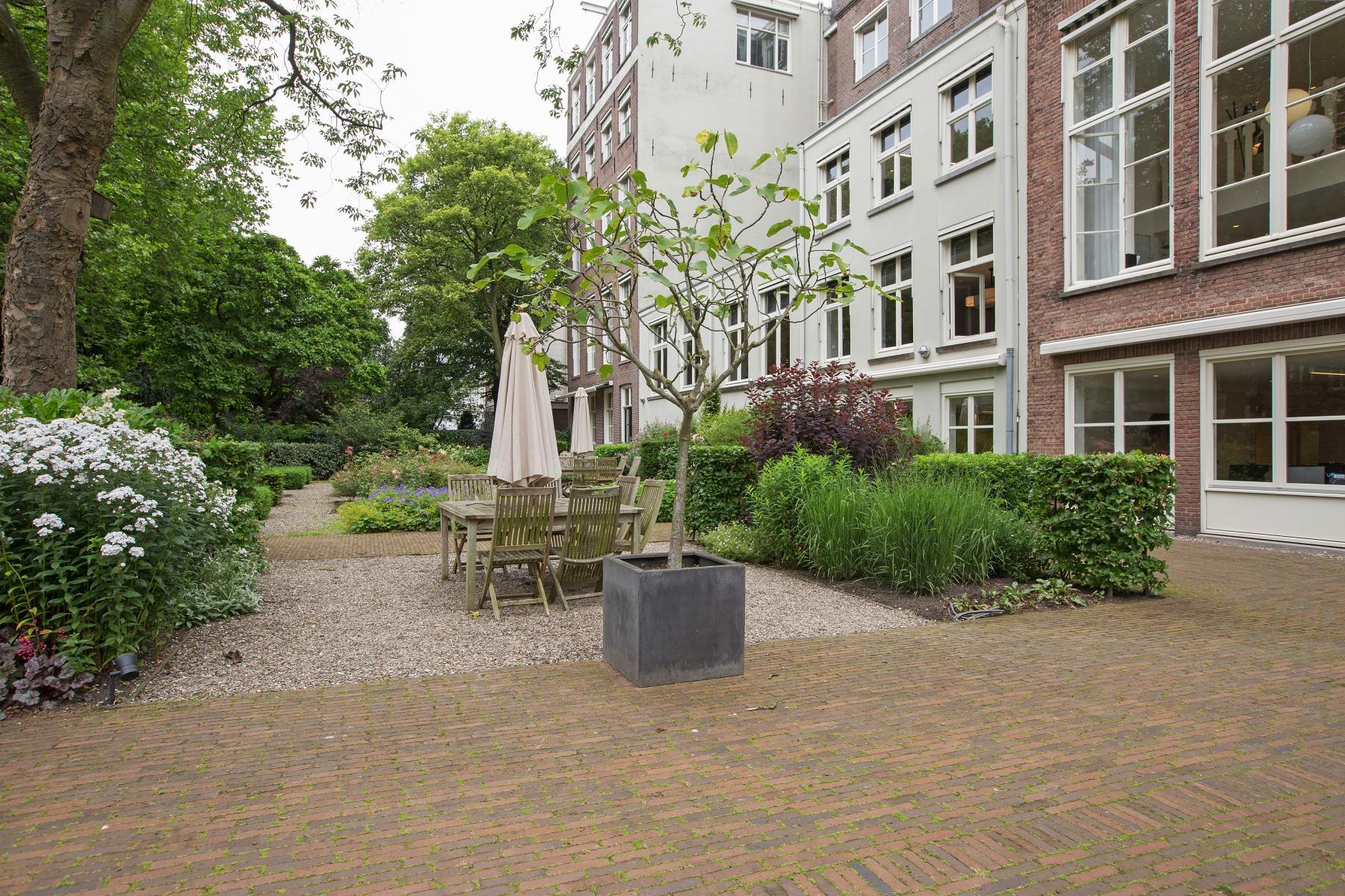terras amsterdam herengracht kantoorpand huren tuin skepp