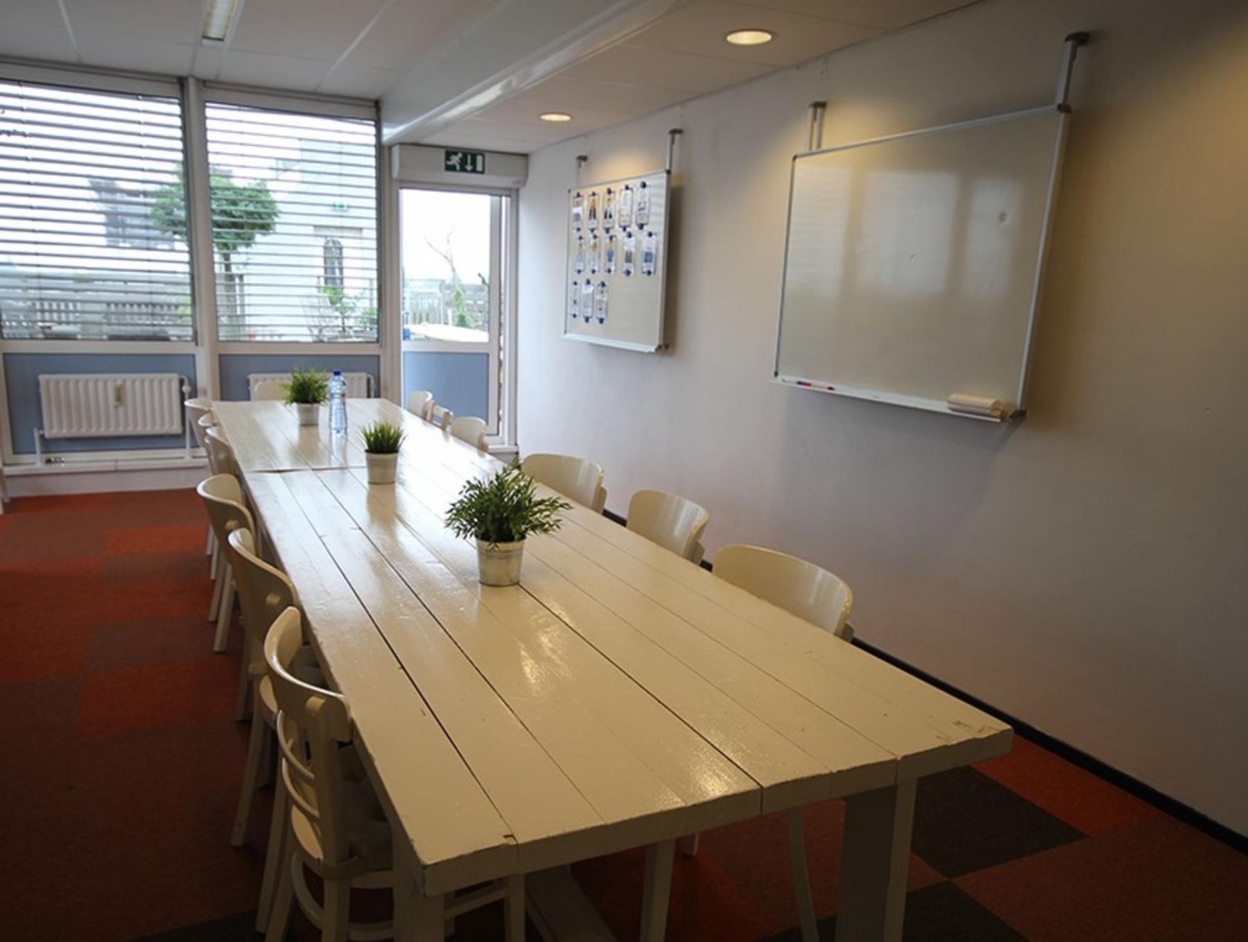 gemeubileerde vergaderruimte te huur Amsterdam bij het Westerpark