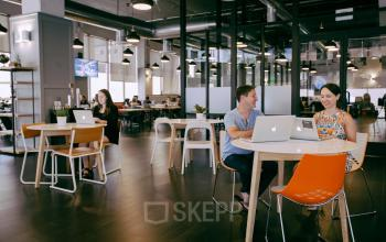 loungeruimte kantoorpand Amsterdam huren bij vliegveld