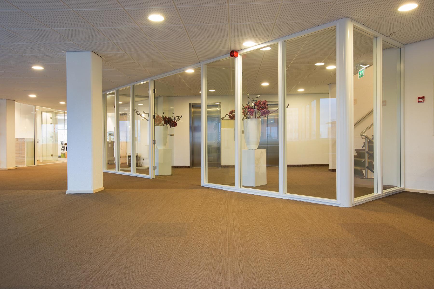 kantoorkamer huren in amsterdam zuidoost met lift