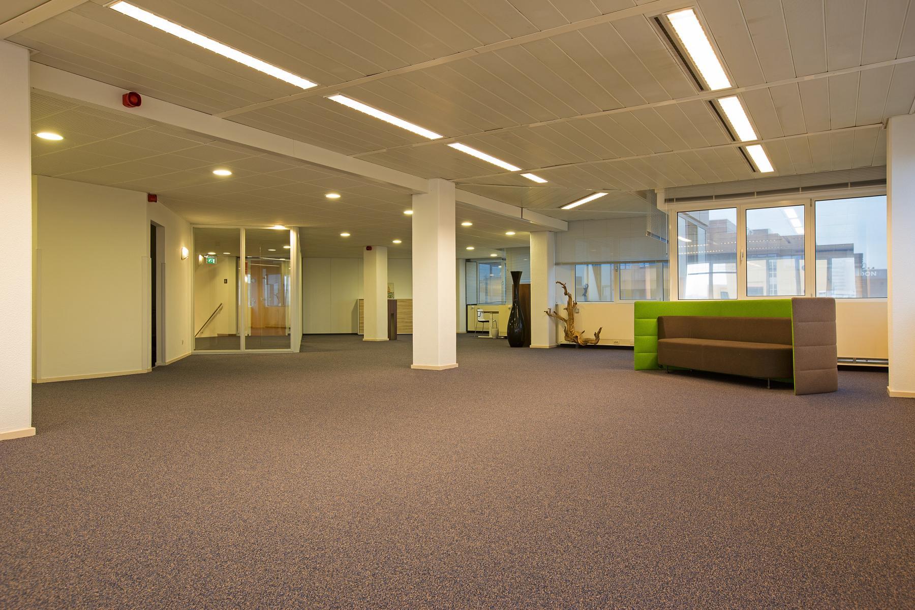 werkplek huren in amsterdam zuidoost met glasvezel