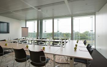 vergaderruimte kantoorruimte huren amsterdam amstelveenseweg meubilair uitzicht