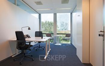 kantoorruimte kantoorkamer uitzicht kantoorgebouw Amsterdam Zuidas