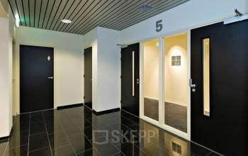 binnenzijde kantoorpand Amsterdam Entrada lampen design