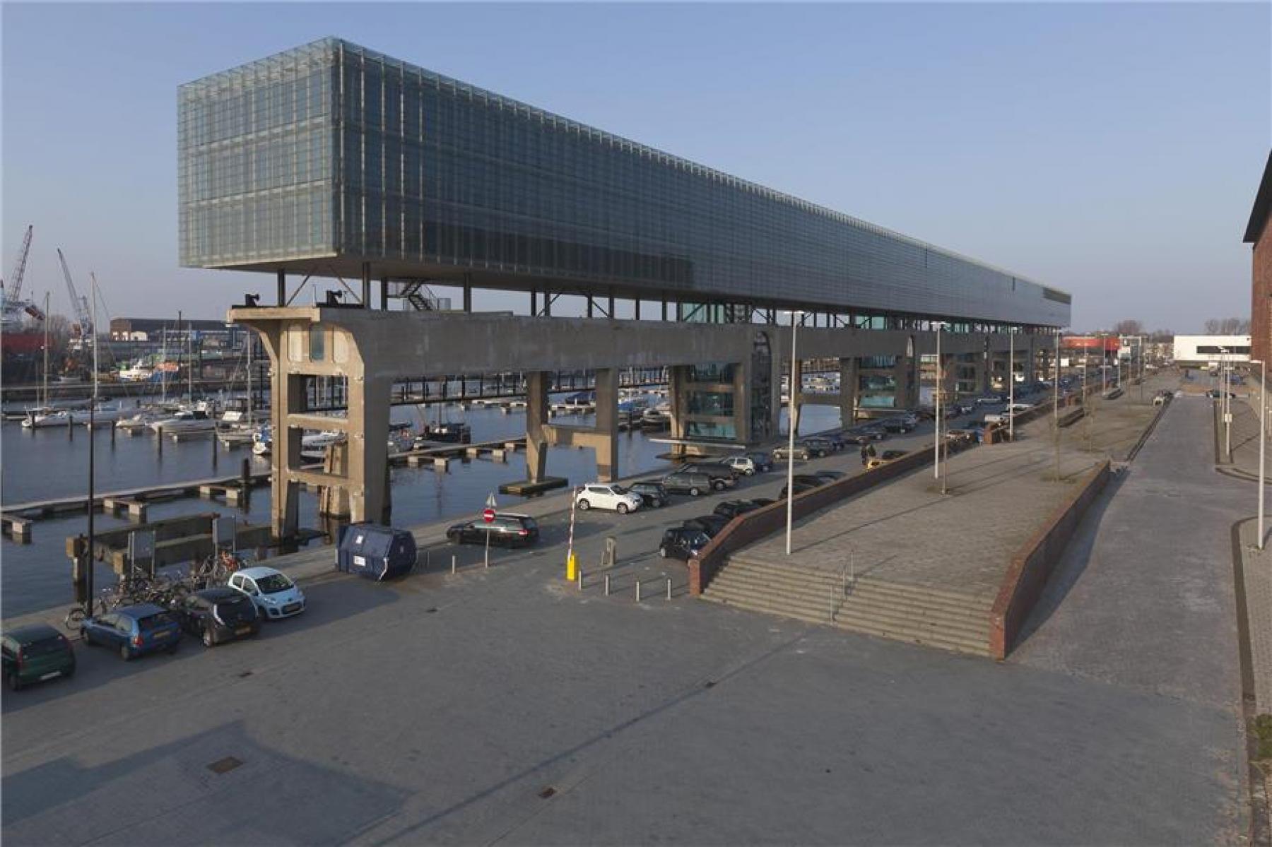 kantoorpand amsterdam parkeerruimte het ij
