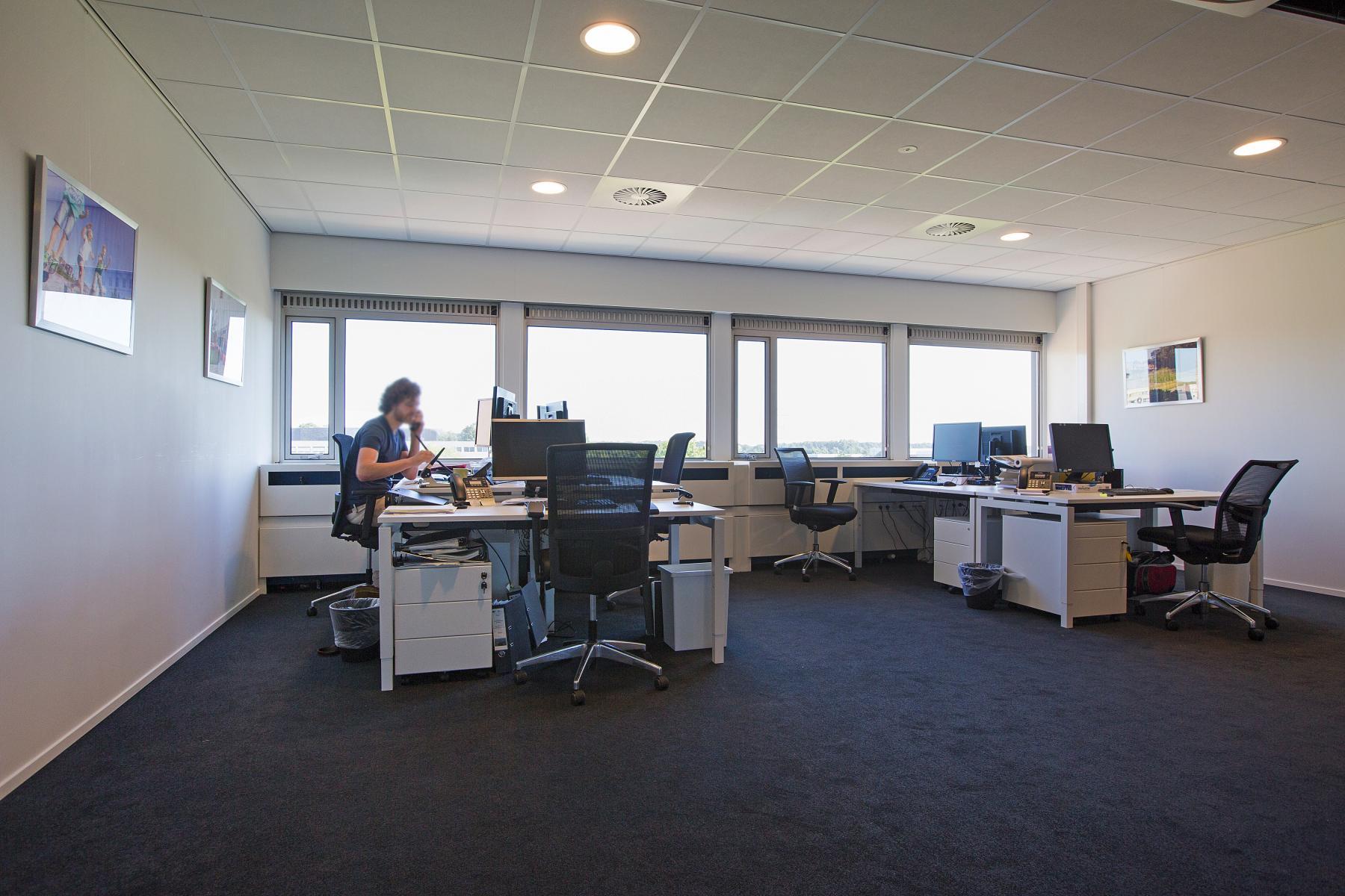 kantoorkamer huren aan oude apeldoornseweg in apeldoorn met wifi