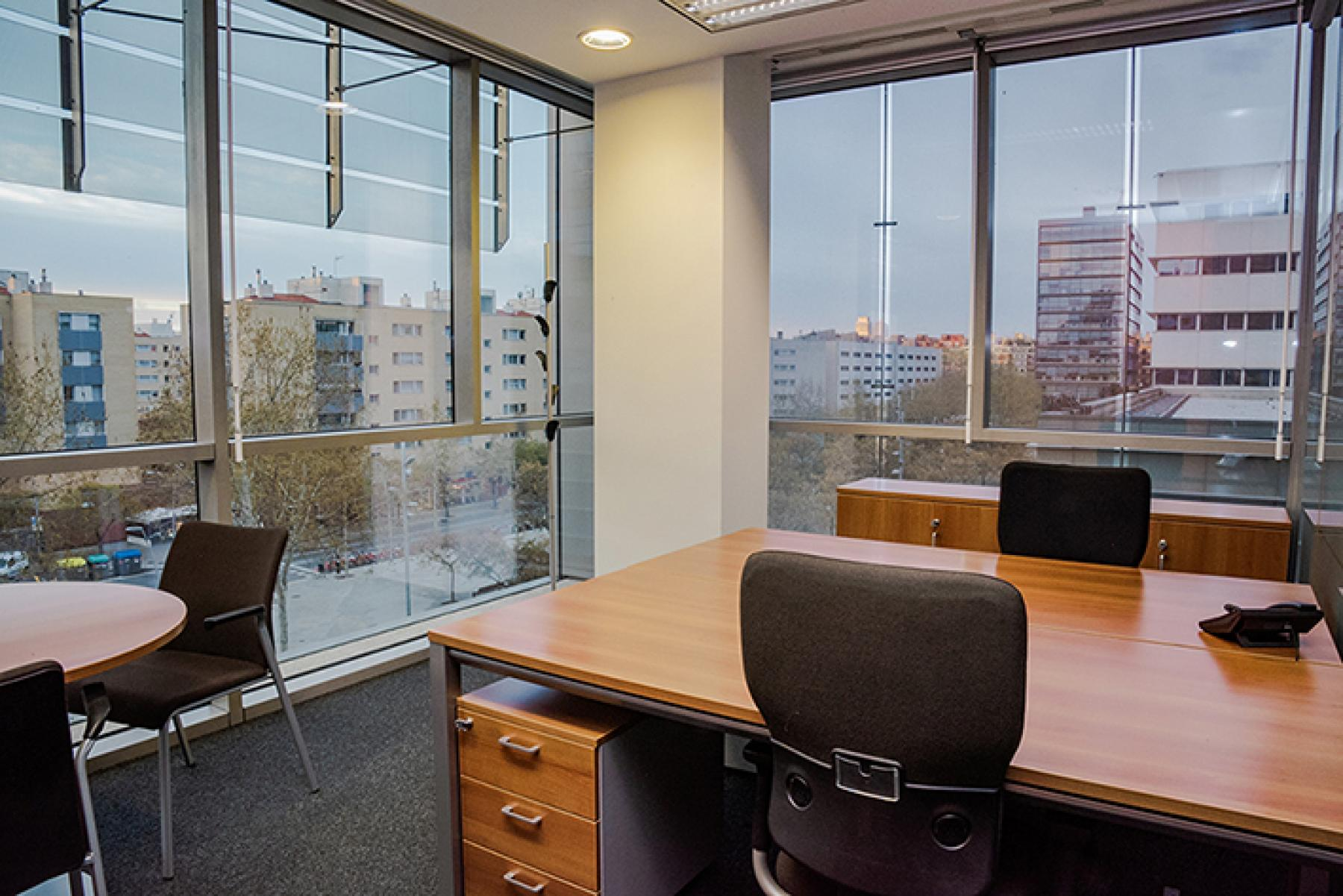Private and shared offices Carrer de Llull