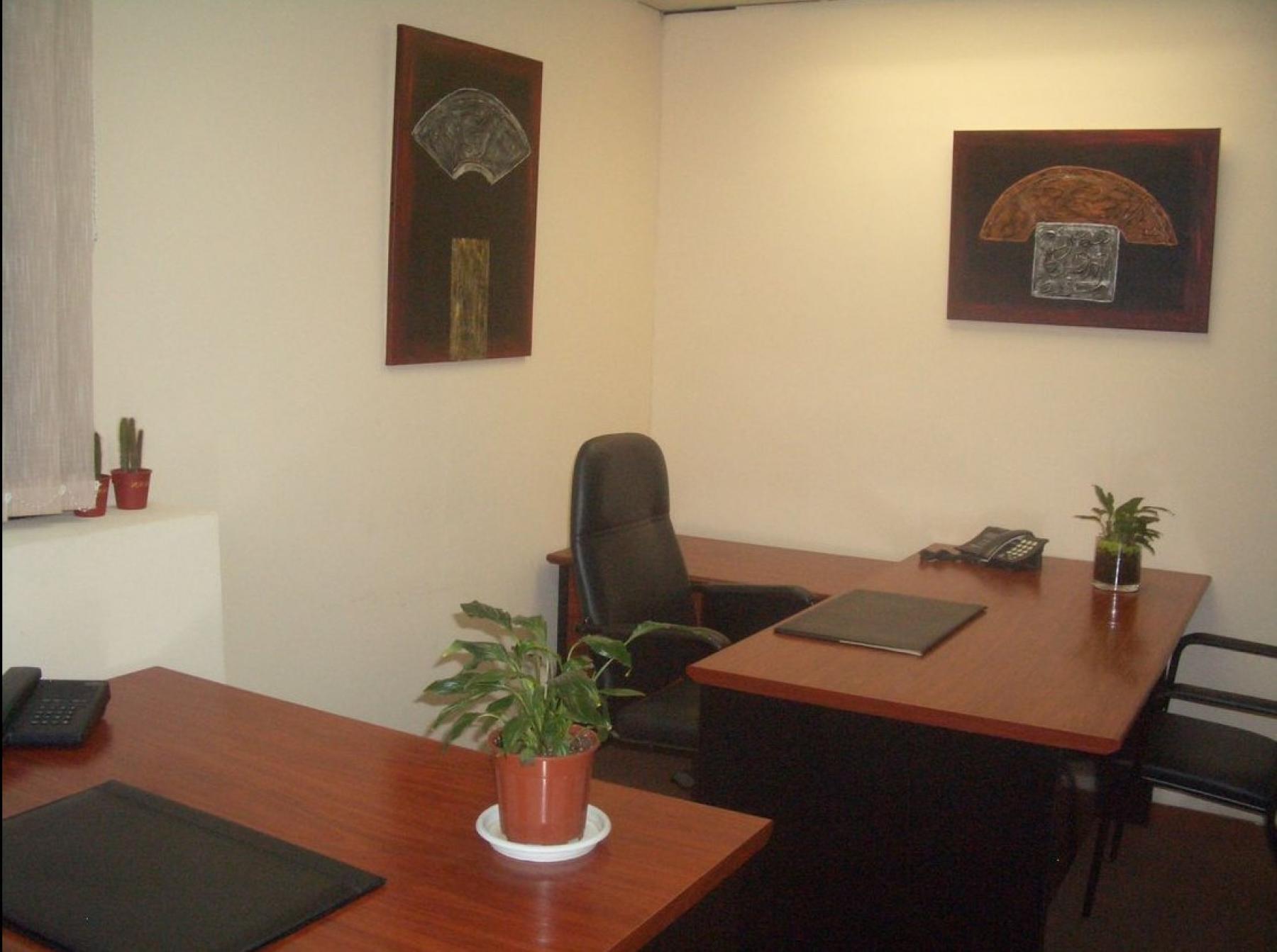 Decorated offices to rent at Carrer de la diputació 279