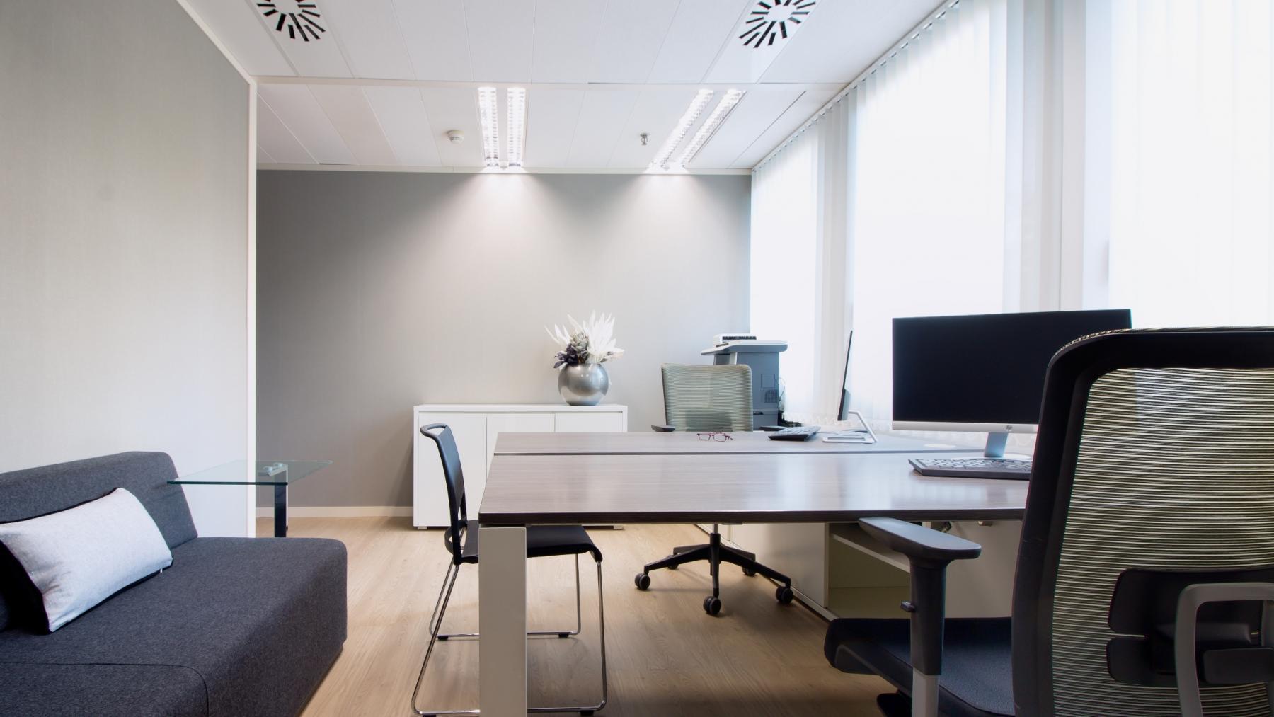 Imagina que esta sea tu oficina en 630 gran via