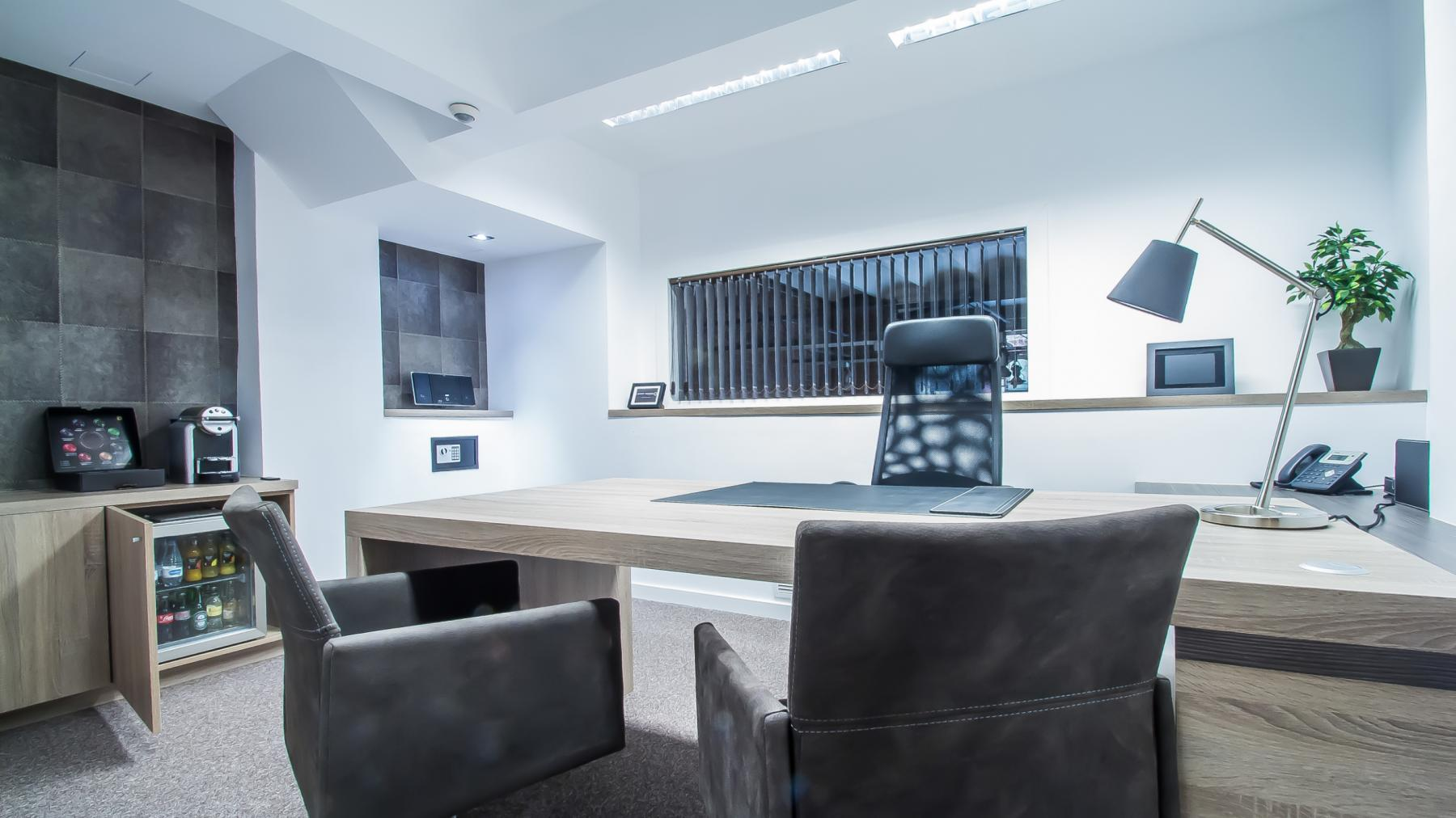 Office to rent available at Carrer d'Aribau 161