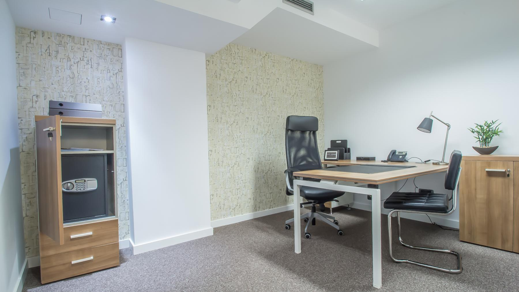 Office to rent at Carrer d'Aribau 161