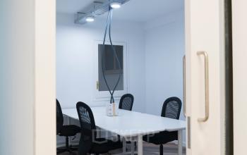 Sala de reuniones en alquiler en Carrer de Bailén 71