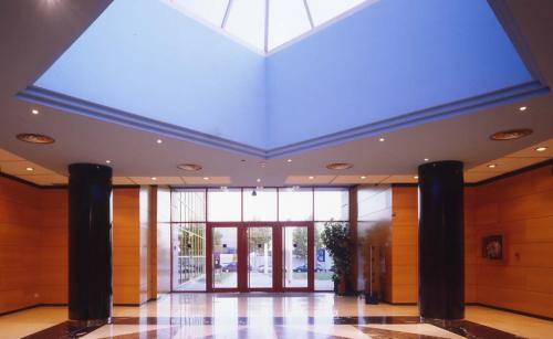 Sala de entrada en el Edificio Muntadas I