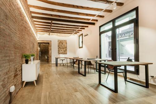 Alquilar oficinas Plaça de la Llibertat 9, Barcelona (1)