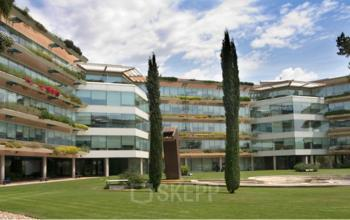 Outside of the office building to rent at Sant Cugat I