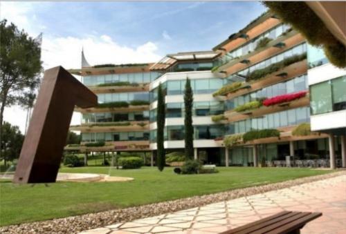 Fachada del edificio de oficinas en Sant Cugat I