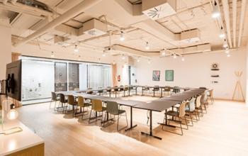 Sala de reuniones en el edificio Carrer de Pallars 193