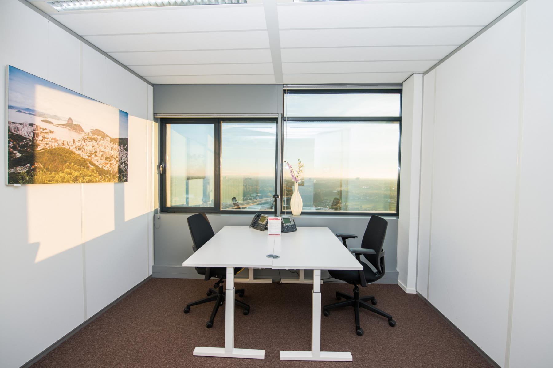 Big offices to rent carrer de la Marina
