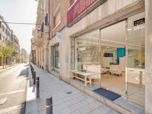 Alquilar oficinas Carrer Camp 79, Barcelona (2)