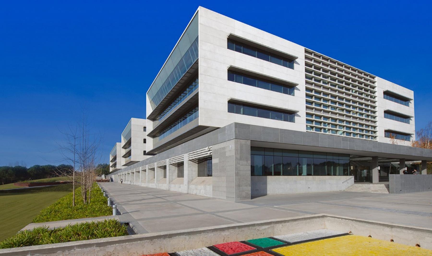 Rent office space Plaça de Xavier Cugat 2,  (1)